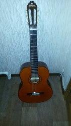 Продам акустическую гитару Washburn C40
